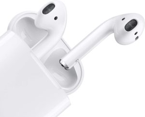 ⑩AirPods with ChargingCase